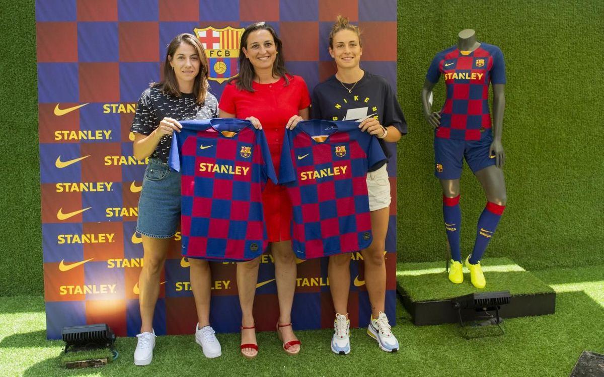 Se ponen a la venta por primera vez las camisetas del Barça Femenino