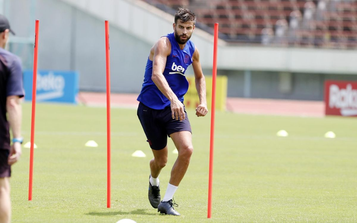 Piqué to miss out against Vissel Kobe
