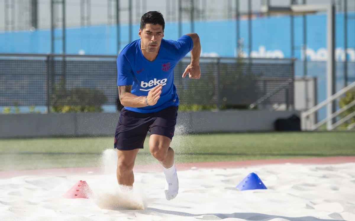 Luis Suárez s'entraîne à la Ciutat Esportiva