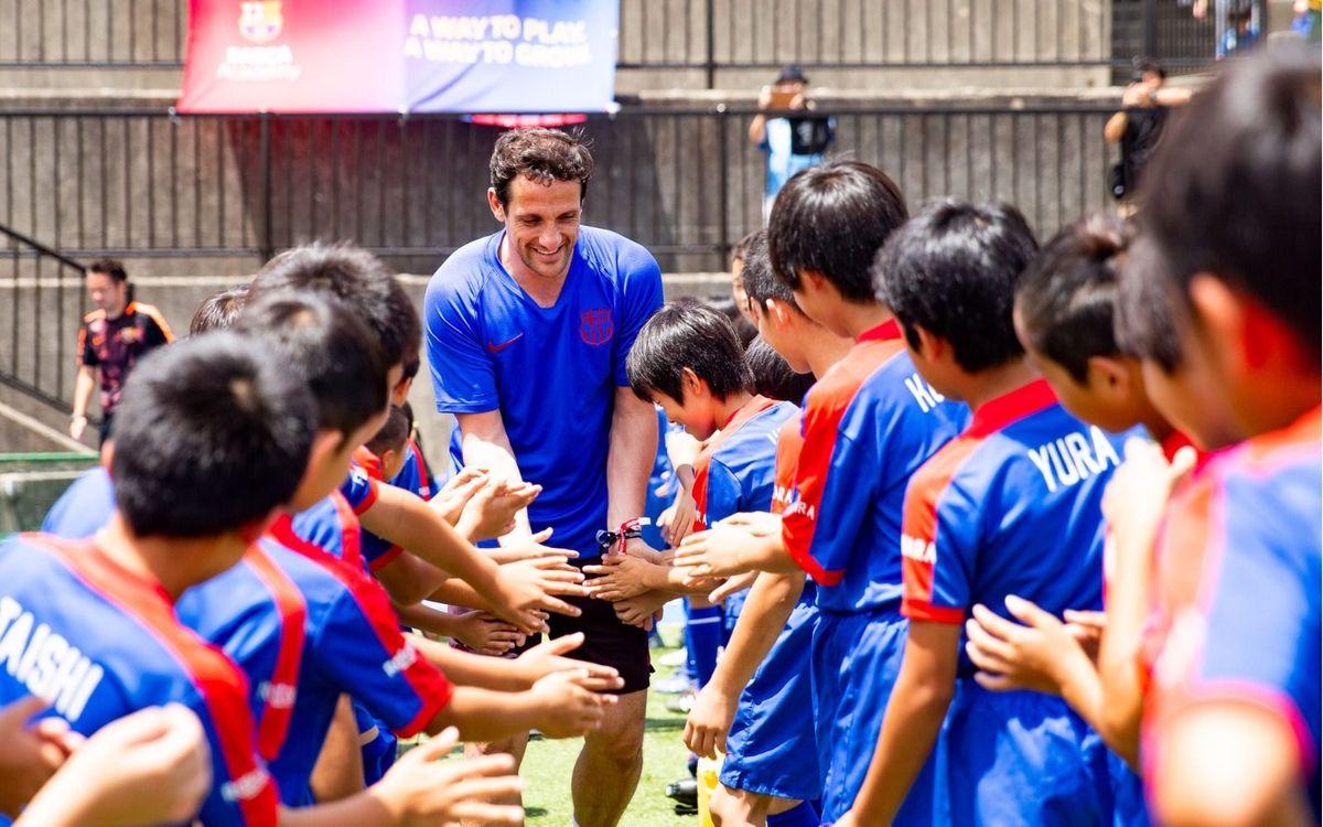 Las Barça Academy de Japón celebran un Barça Academy Clínic con Belletti