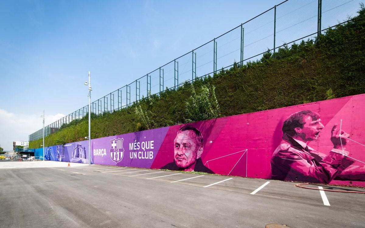 New Johan Cruyff inspired mural at the Ciutat Esportiva