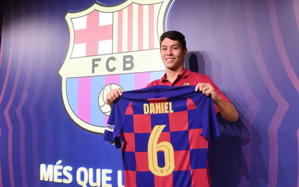 Daniel aterra a Barcelona
