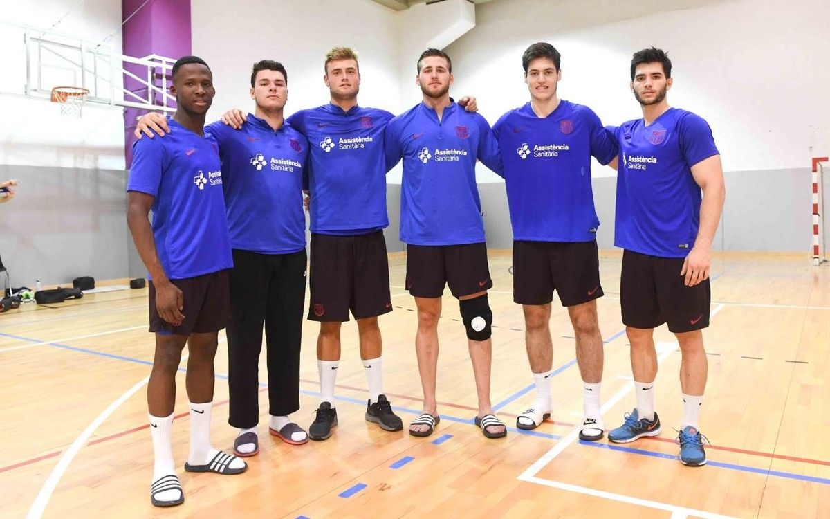 Seis jugadores del filial para completar el grupo