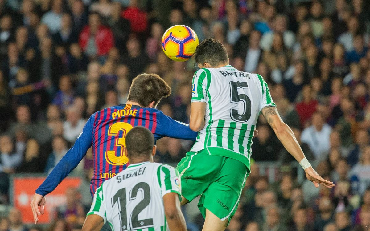 Which players have played at both Barça and Betis?