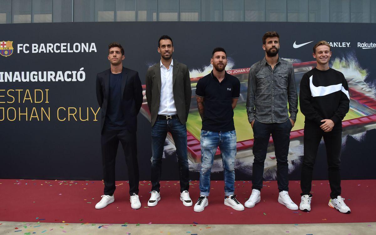 Els cinc jugadors del primer equip presents a l'inauguració de l'Estadi Johan Cruyff