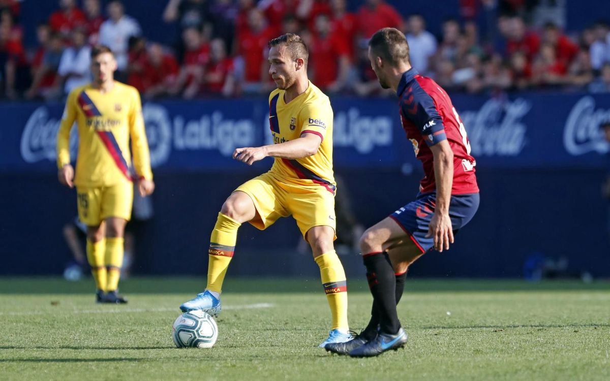 صور مباراة : أوساسونا - برشلونة 2-2 ( 31-08-2019 )  Mini_2019-08-31-OSASUNA-BARCELONA-45
