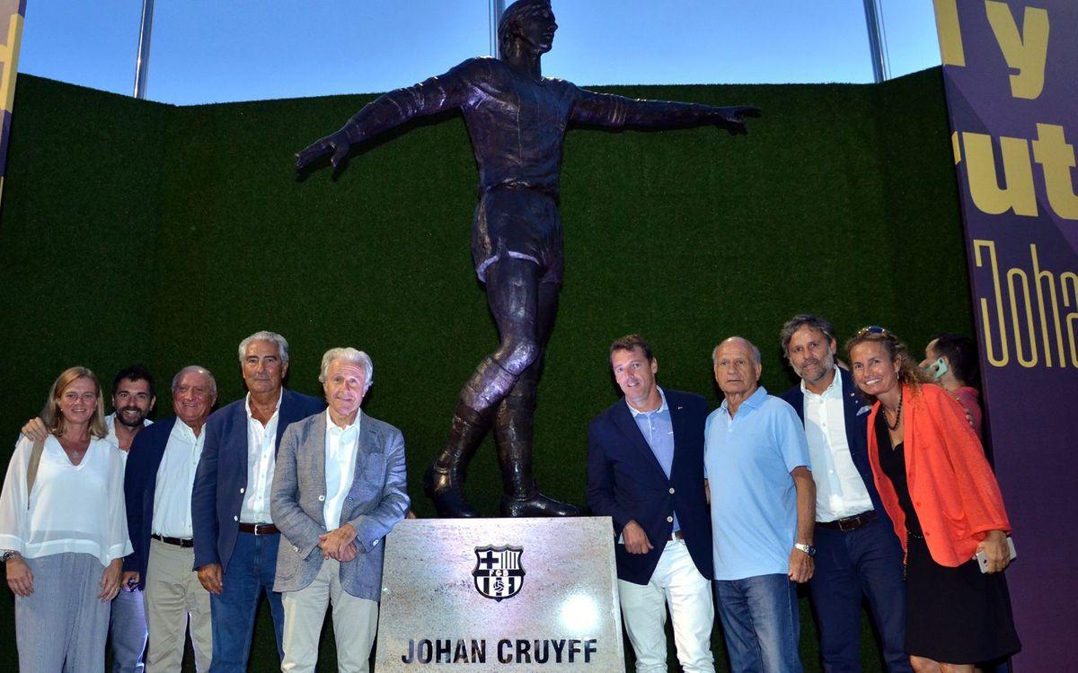 La ABJ, presente en la inauguración de la estatua de Johan Cruyff