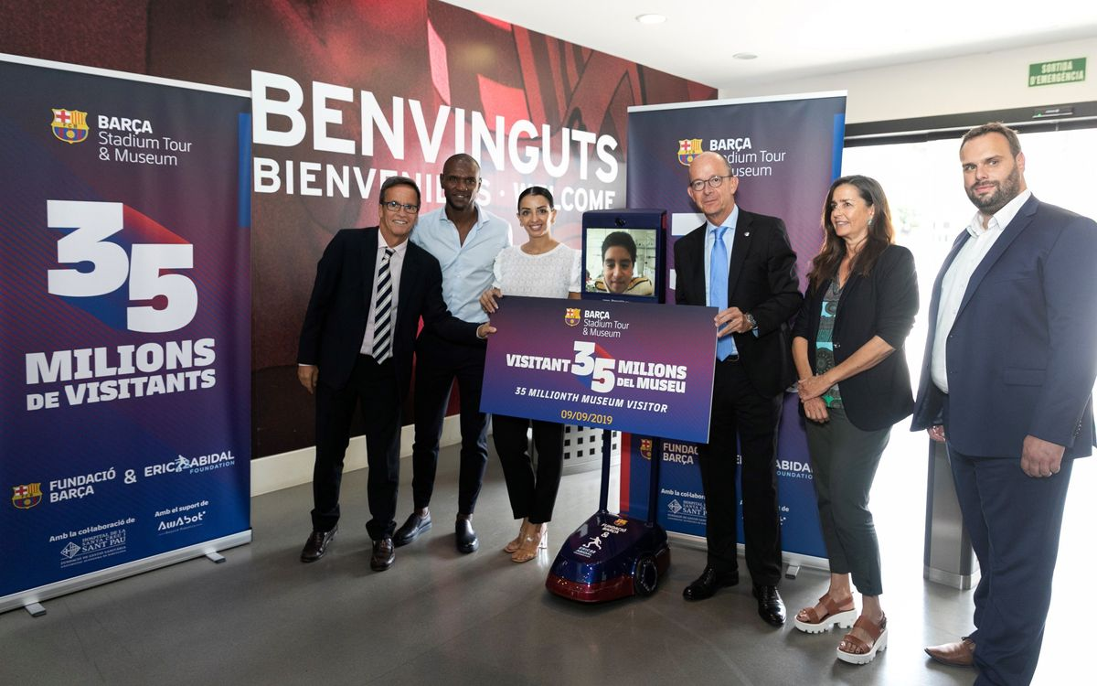 A young patient from the Hospital de Sant Pau is the 35 millionth visitor to the Barça Museum