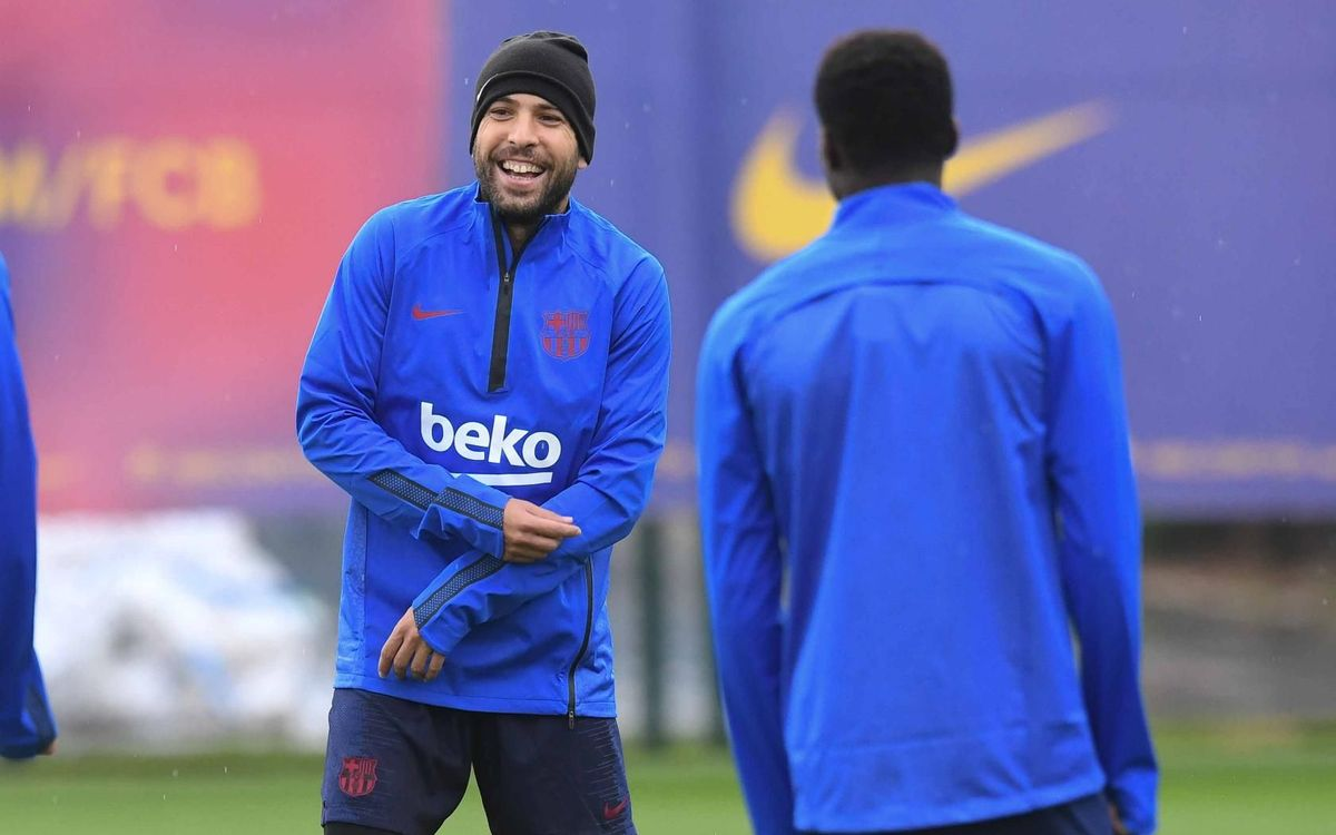 Sergio and Jordi Alba join the group