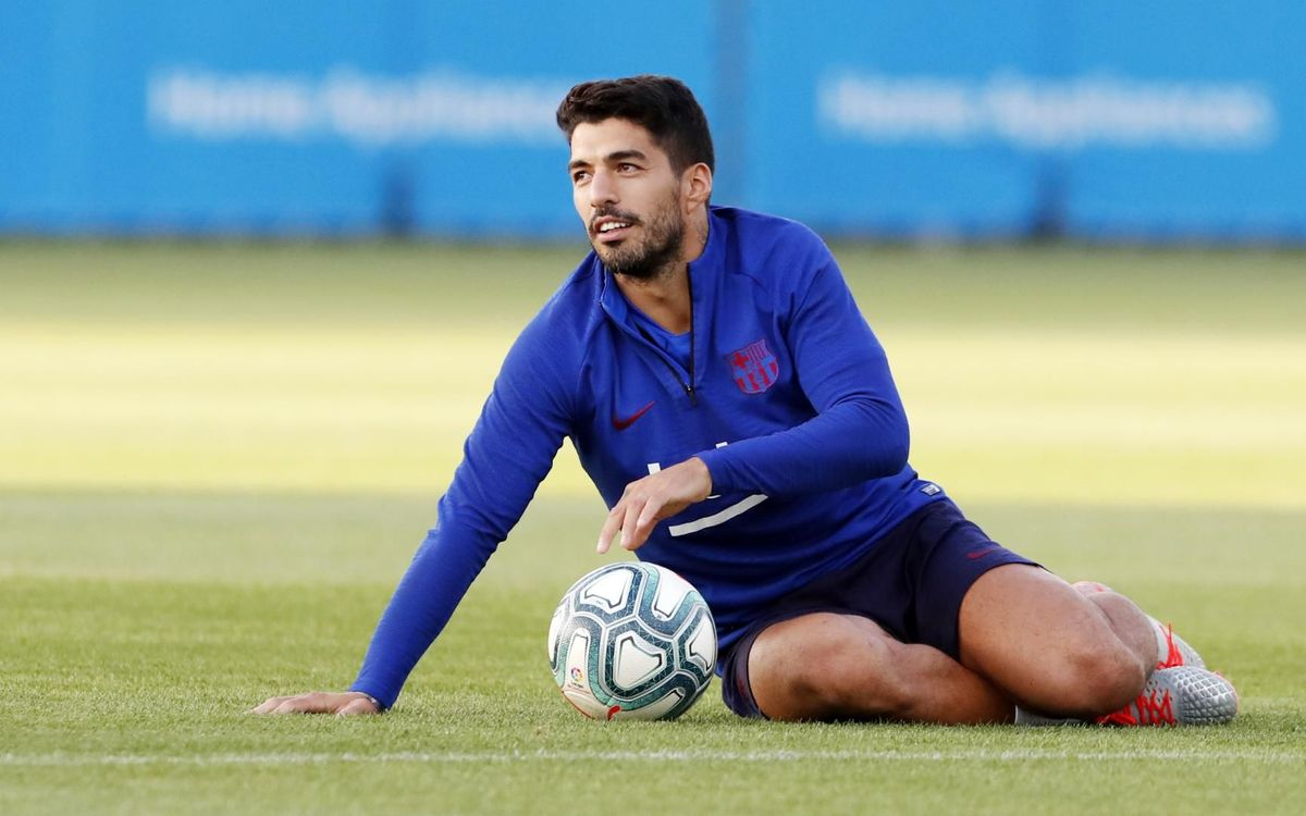 Suárez and Junior Firpo in squad for Valencia game