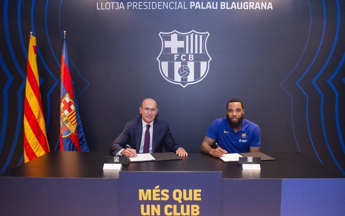 La firma del contrato de Delaney en el Palco Presidencial del Palau Blaugrana - VÍCTOR SALGADO