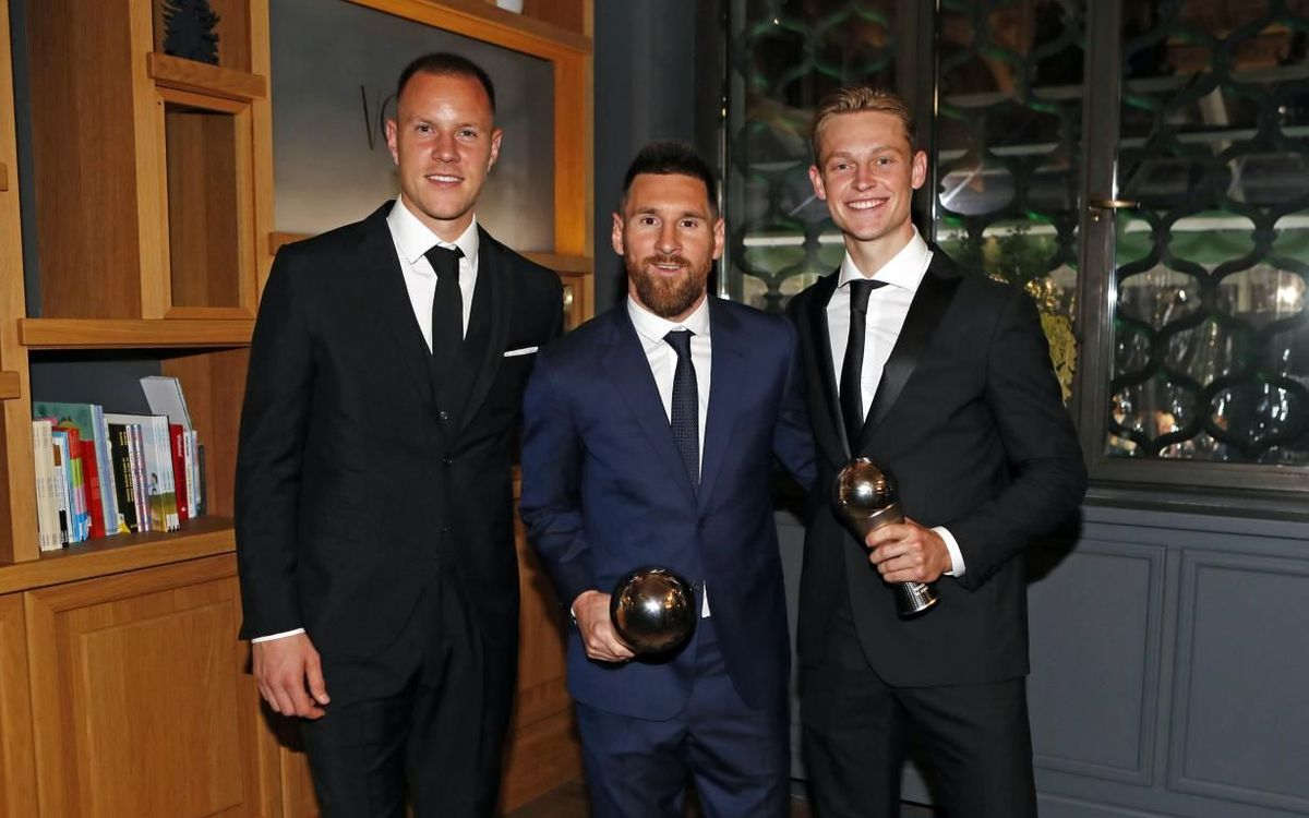 Marc-André ter Stegen, Leo Messi and Frenkie De Jong at 'The Best' awards
