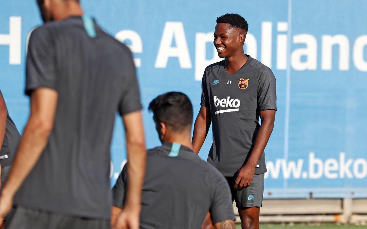يوم واحد يفصلنا عن مباراة : برشلونة - أنتر  Mini_2019-10-01-ENTRENO-33