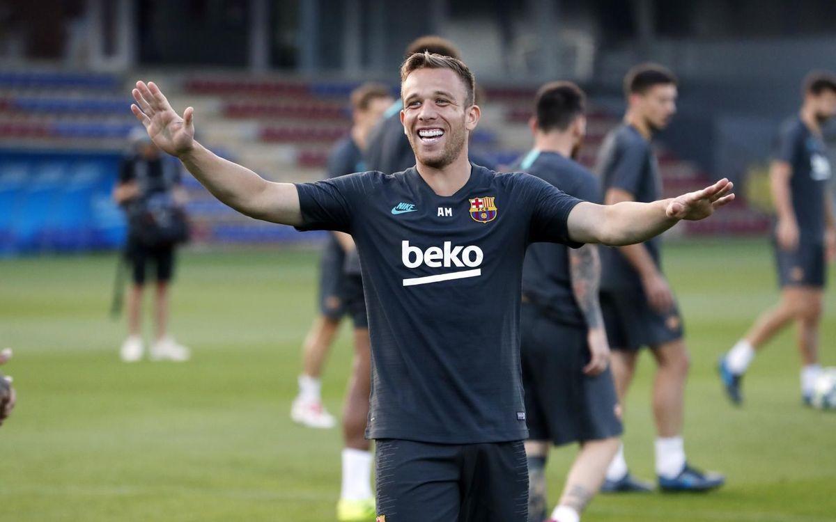 يوم واحد يفصلنا عن مباراة : برشلونة - أنتر  Mini_2019-10-01-ENTRENO-85