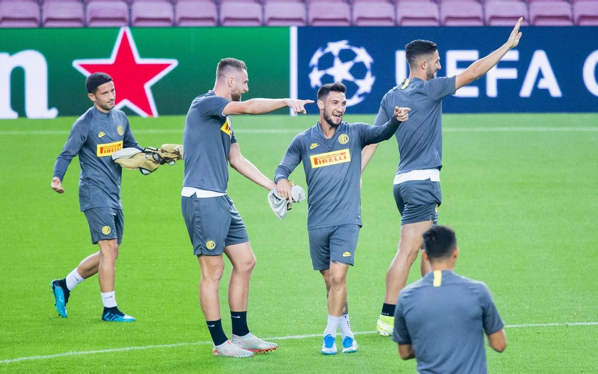 يوم واحد يفصلنا عن مباراة : برشلونة - أنتر  Mini_2019-10-01_ENTRENAMENTINTER_14