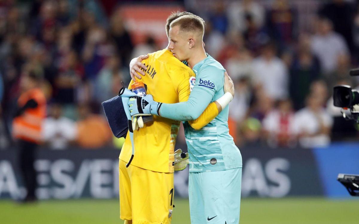 صور مباراة : برشلونة - إشبيلية 4-0 ( 06-10-2019 )  Mini_2019-10-06-BARCELONA-SEVILLA-111