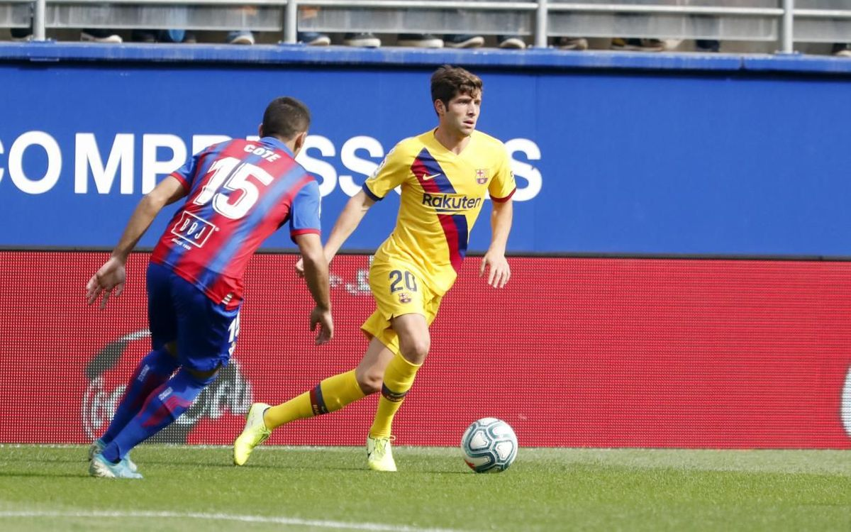 Sergi Roberto strains ligament in left knee