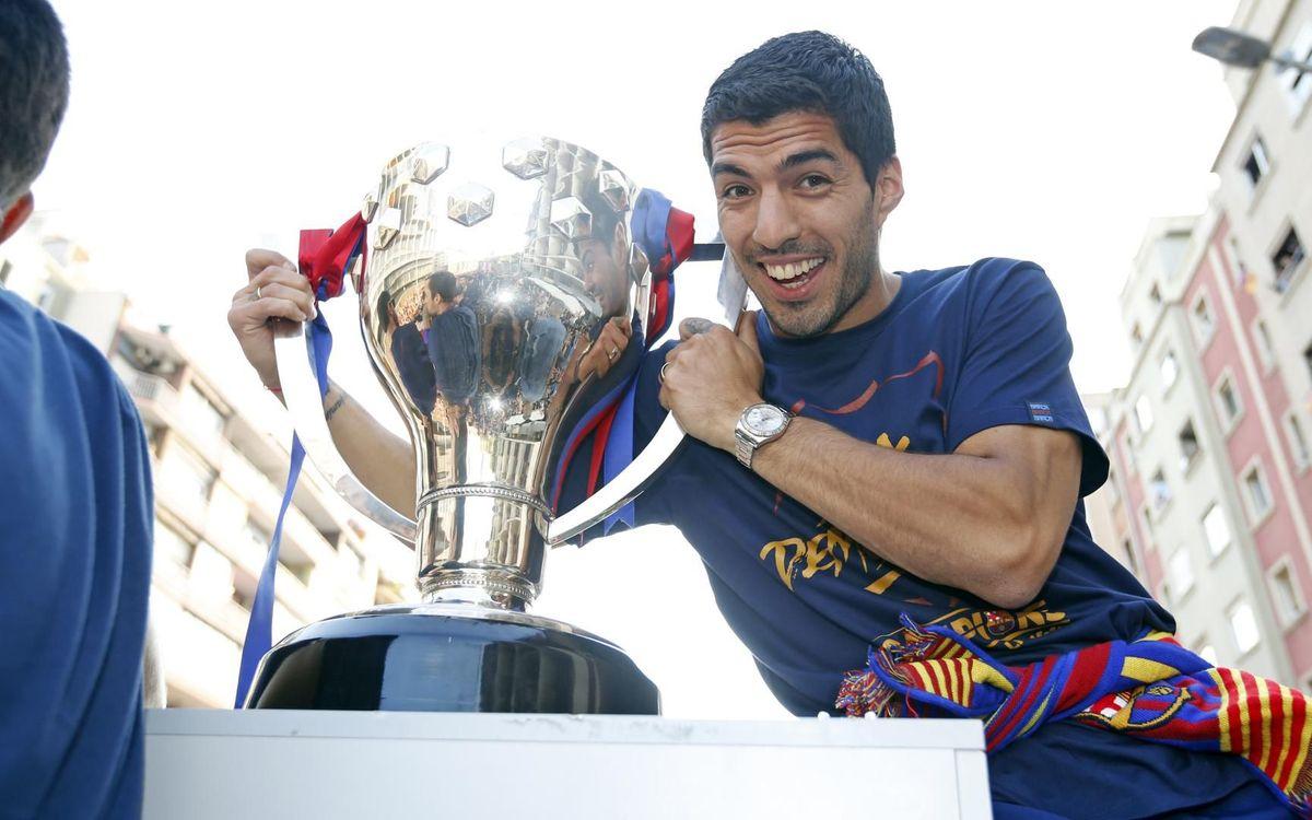 Luis Suárez suma 13 títulos como culé MIGUEL RUIZ-FCB