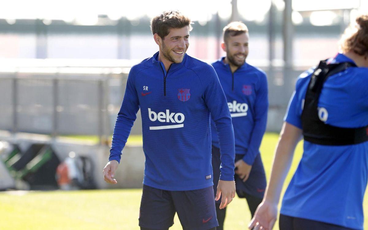 Sergi Roberto s'entrena amb el grup