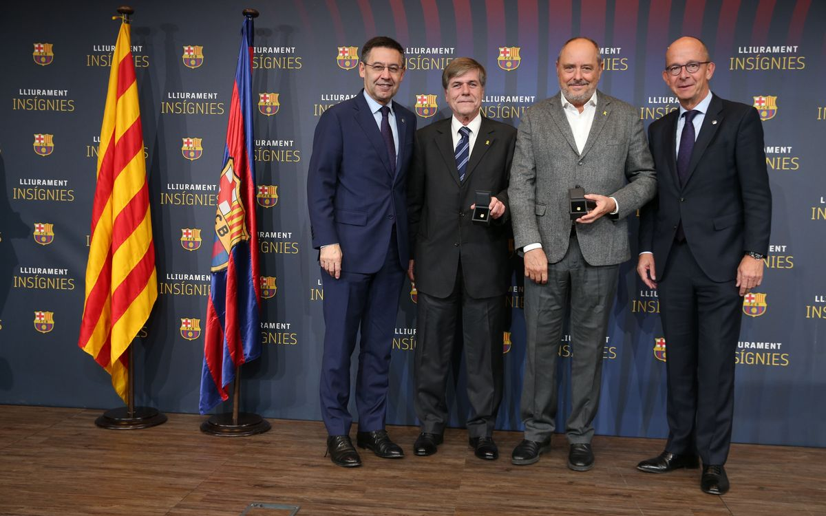 Insígnia d'or per als exsíndics Carles Pi-Sunyer i Agustí Bassols