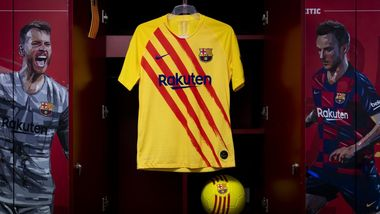 New Barça kit honours Club's roots by featuring colours of