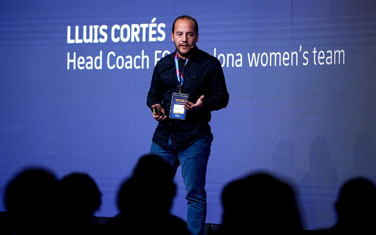 Lluís Cortés, entrenador del Barça Femenino, también presente en este acto - ÀLEX CAPARRÓS