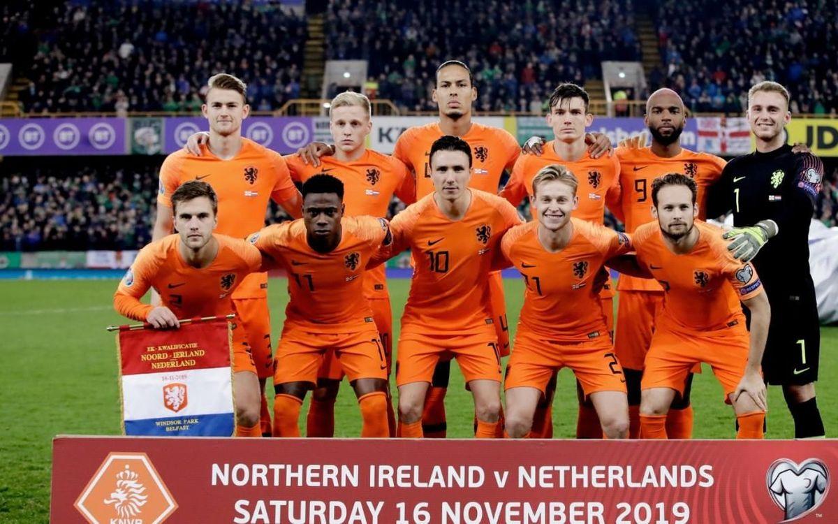De Jong, titular en el empate de Holanda