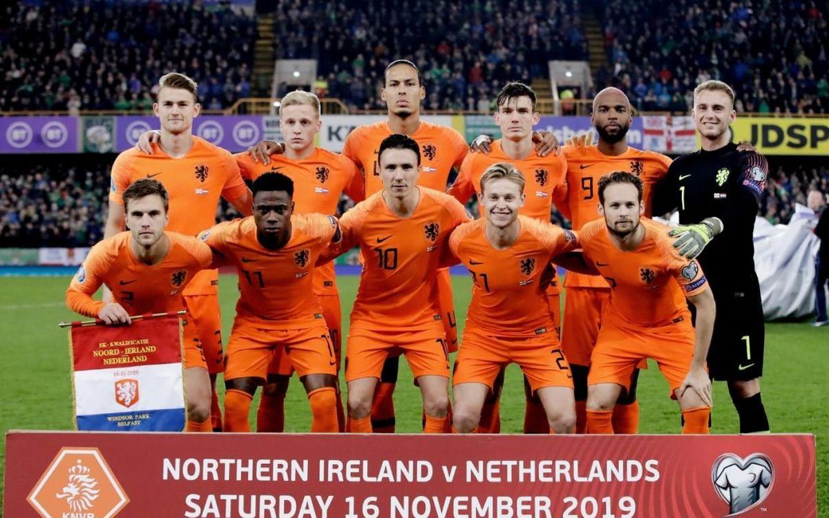 De Jong, titular en l'empat d'Holanda