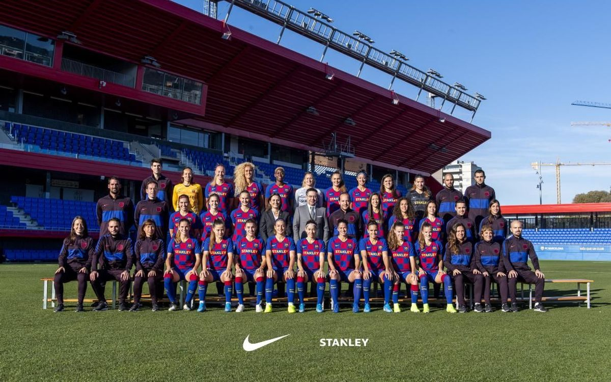Foto oficial de l'equip femení per a la temporada 2019/20.
