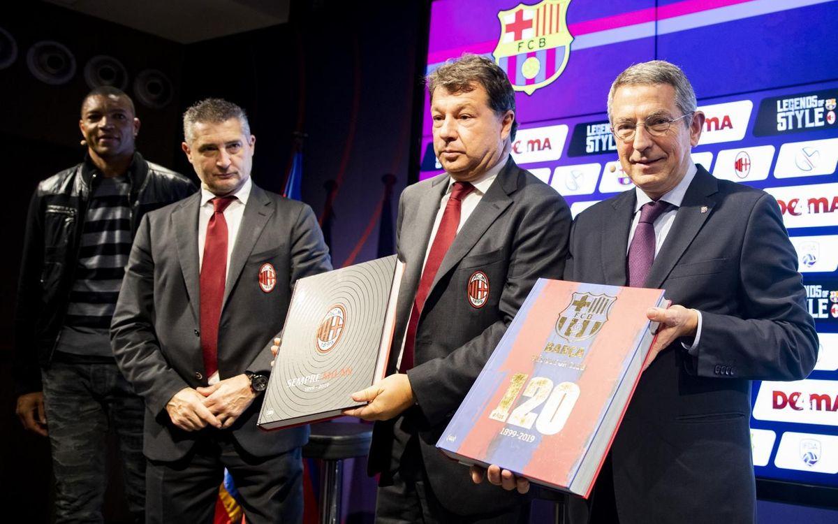 Intercambio de libros entre el Milan y el FC Barcelona, con la presencia del directivo Pau Vilanova