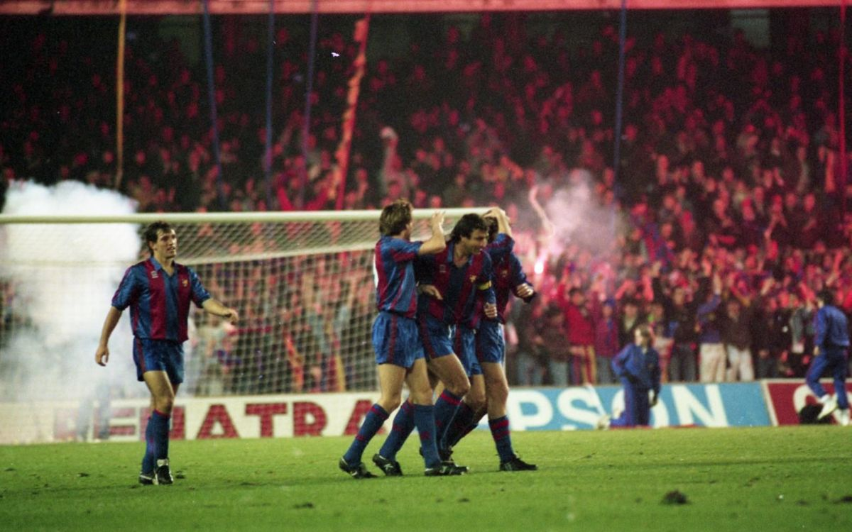 Laudrup celebrating a goal against Real Madrid