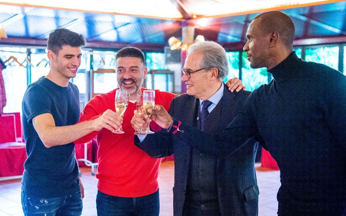 El Barça B celebra la comida de Navidad