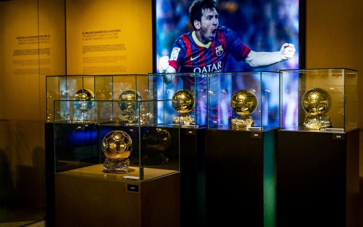 Le 6ème Ballon d'Or de Messi fait son entrée au Musée