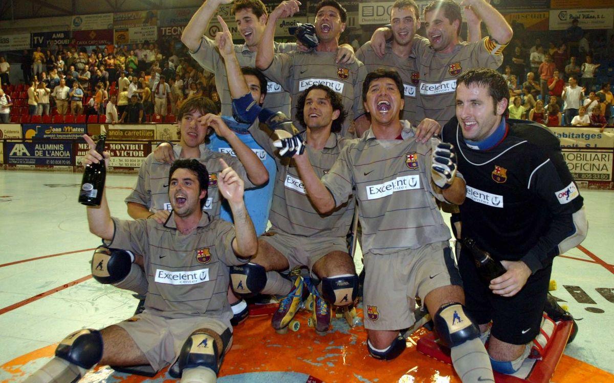 Albert Casanovas, detrás de Borregán, celebrando la OK Liga del 2004 en Les Comes