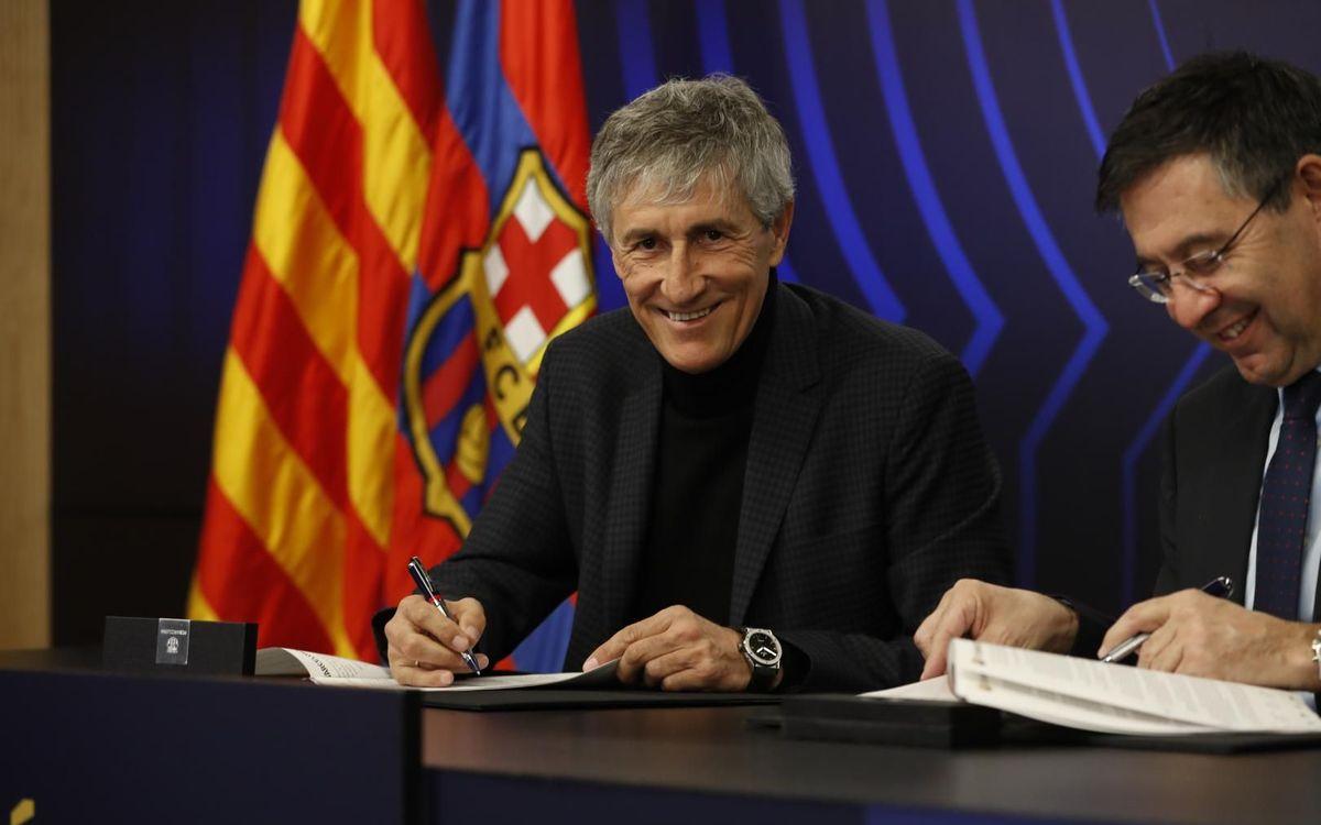 Quique Setién signs his contract