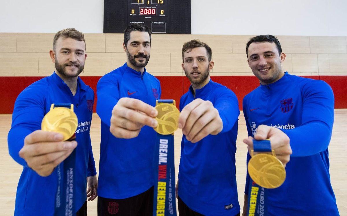 Los campeones lucen medalla de oro