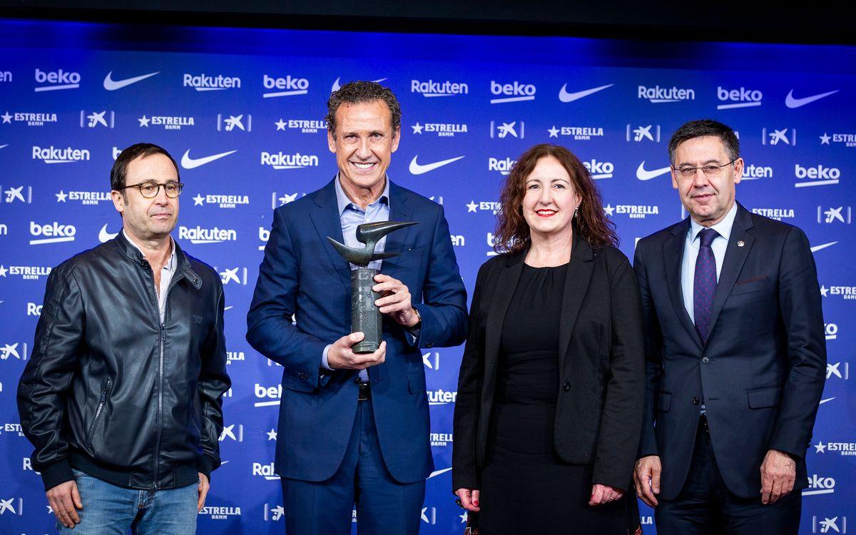 Jorge Valdano recibe el premio Vázquez Montalbán de periodismo deportivo