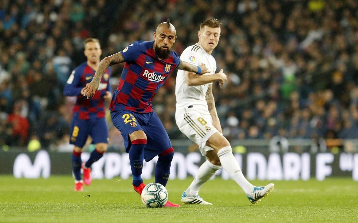 صور مباراة : ريال مدريد - برشلونة 2-0 ( 01-03-2020 )  Mini_2020-03-01-MADRID-BARCELONA-21