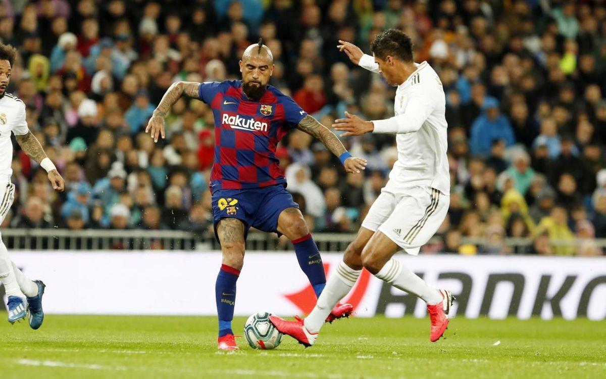 صور مباراة : ريال مدريد - برشلونة 2-0 ( 01-03-2020 )  Mini_2020-03-01-MADRID-BARCELONA-11