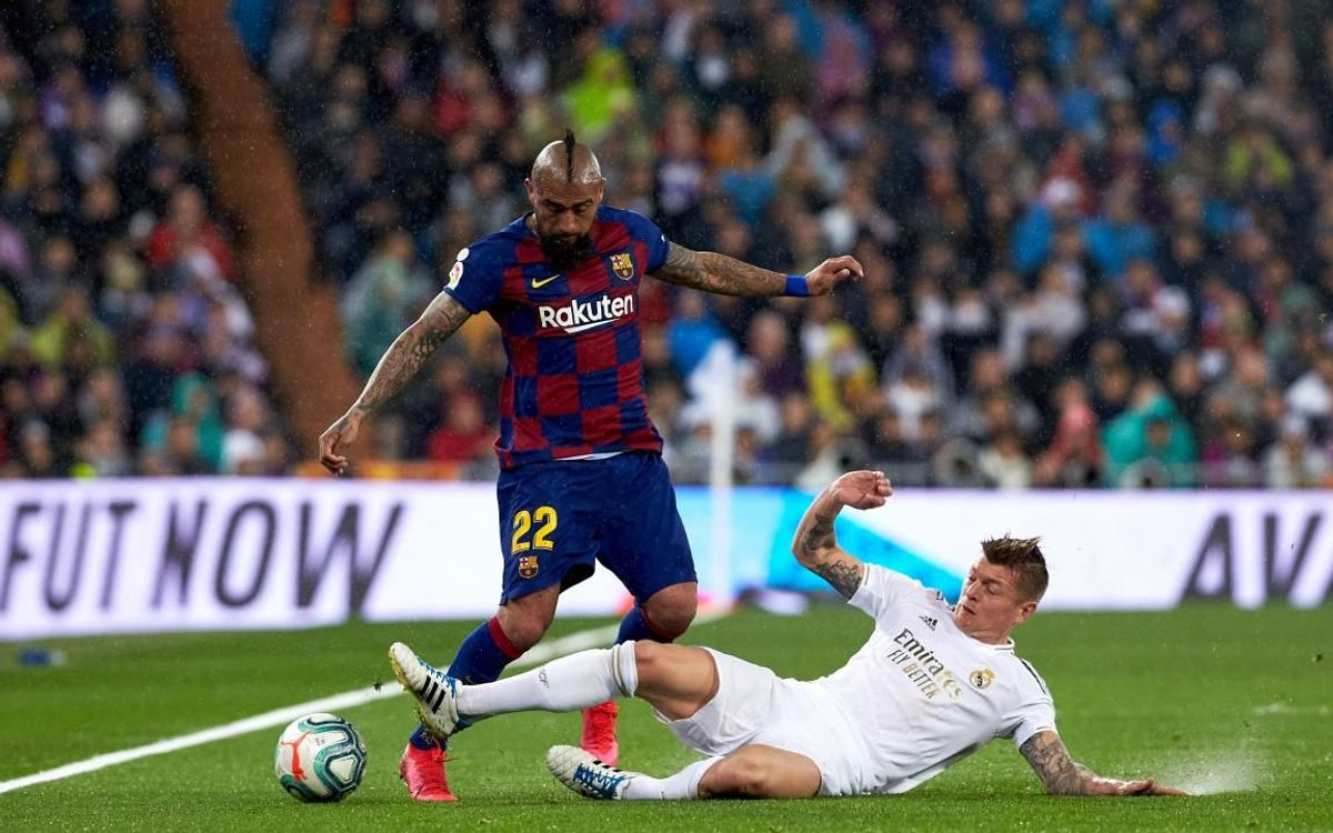 صور مباراة : ريال مدريد - برشلونة 2-0 ( 01-03-2020 )  Mini__P2F8982