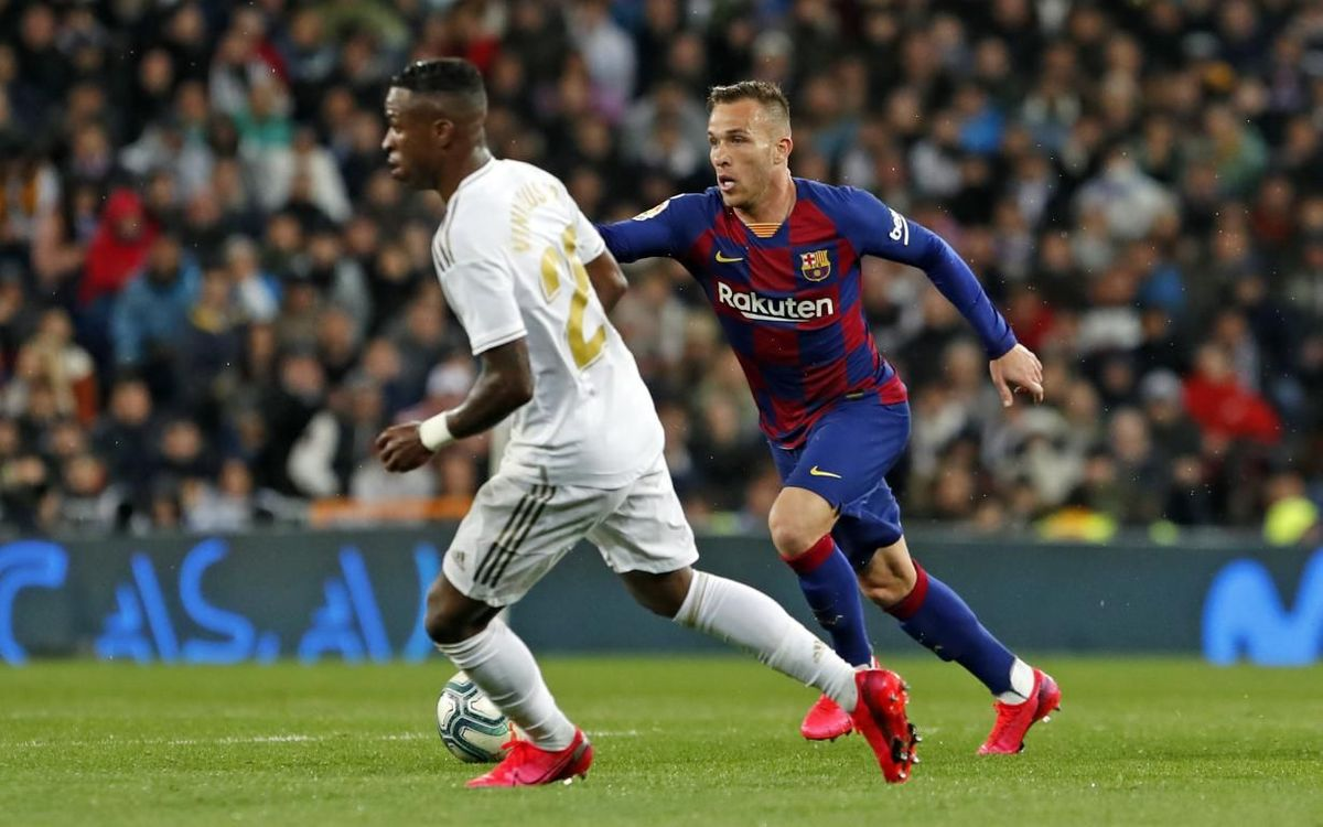 صور مباراة : ريال مدريد - برشلونة 2-0 ( 01-03-2020 )  Mini_2020-03-01-MADRID-BARCELONA-24