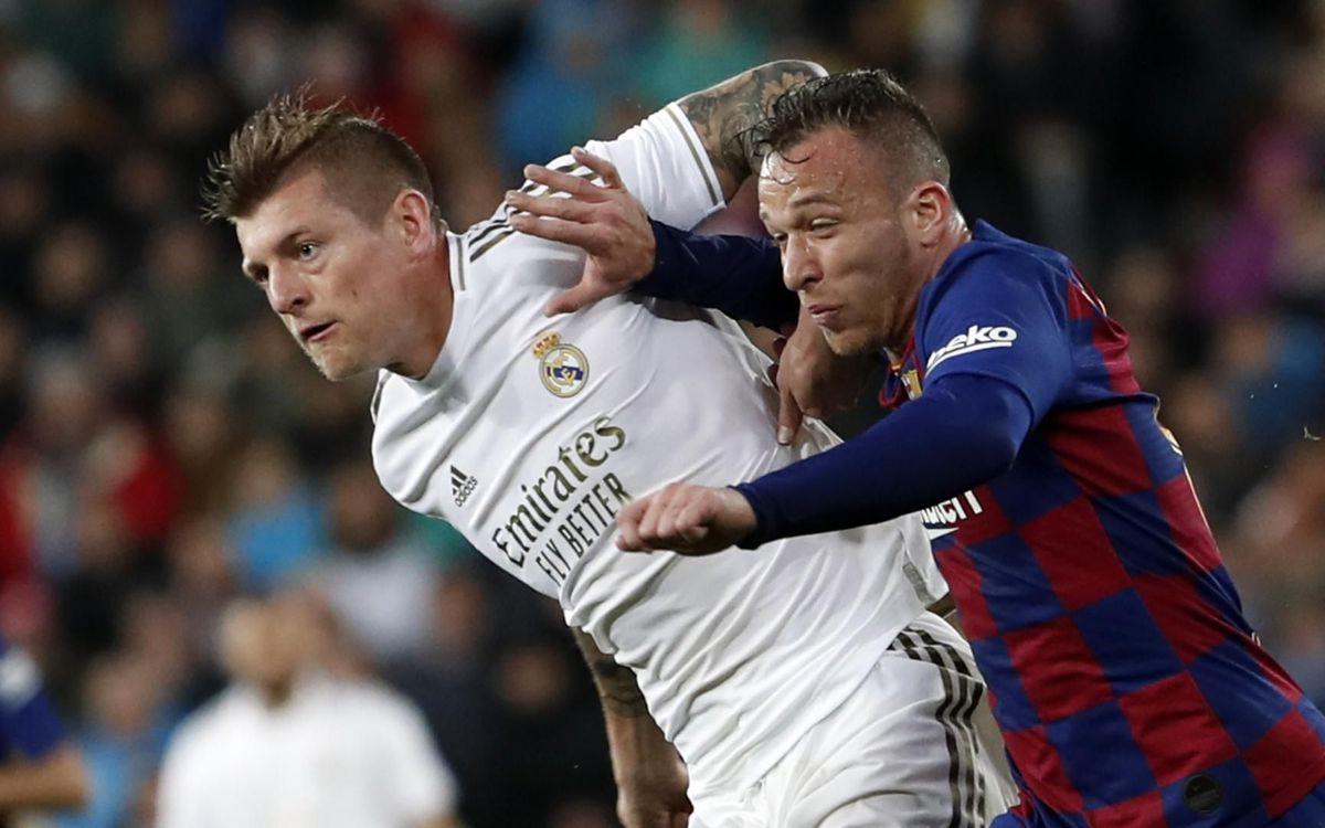 صور مباراة : ريال مدريد - برشلونة 2-0 ( 01-03-2020 )  Mini_2020-03-02-OTRO-MADRID-BARCELONA-19