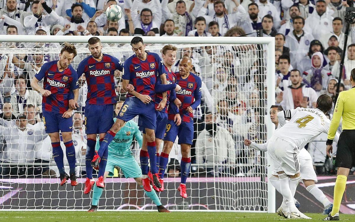 صور مباراة : ريال مدريد - برشلونة 2-0 ( 01-03-2020 )  Mini_2020-03-02-OTRO-MADRID-BARCELONA-25