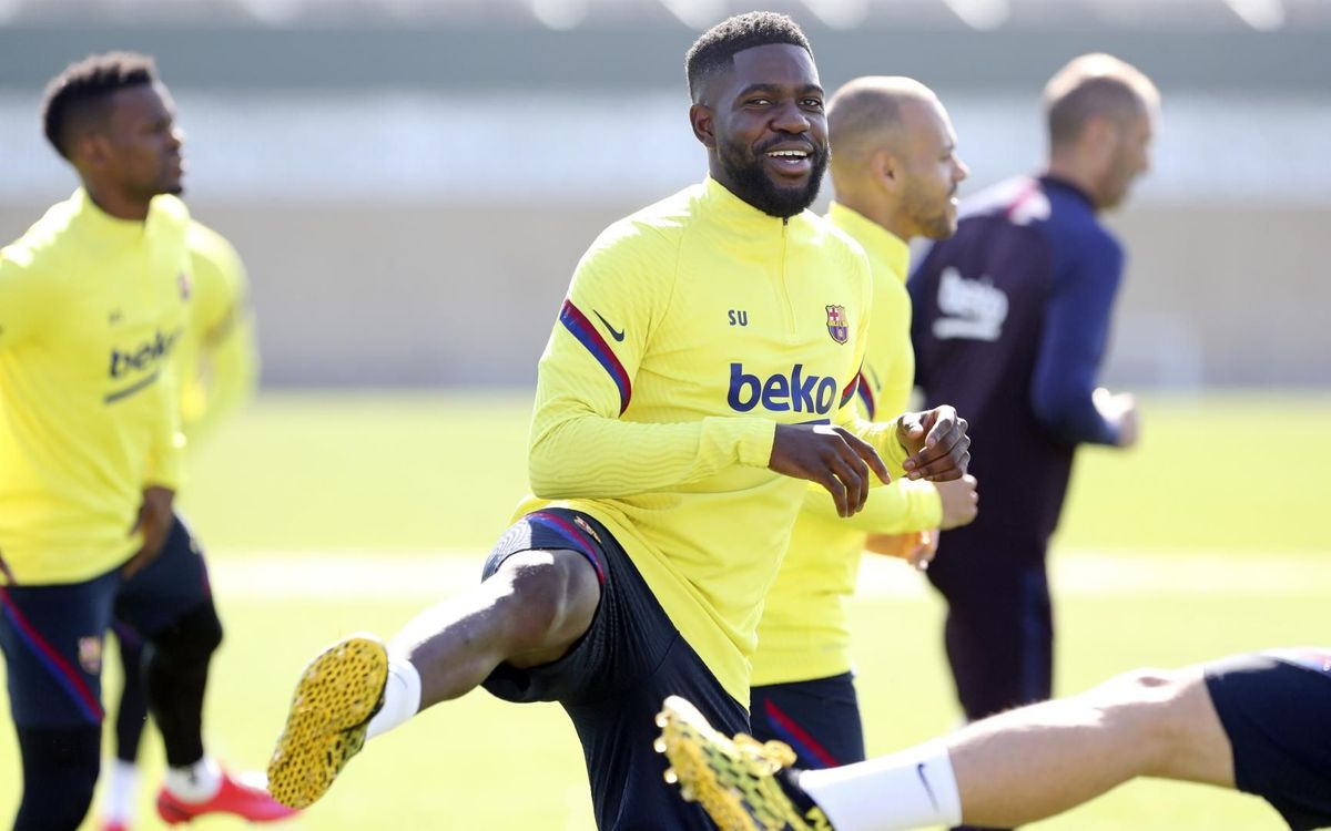 Rakitic and Umtiti train with the rest of the squad
