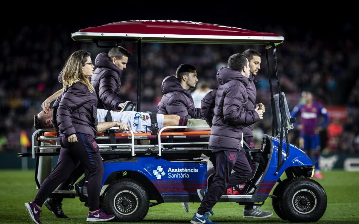 Carretó sanitari al Camp Nou.
