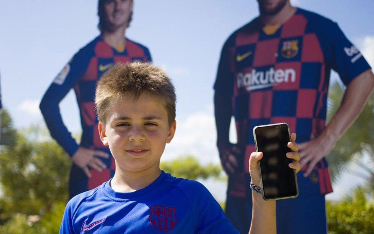 Los jugadores Barça Academy aprenden historia del Barça en el confinamiento