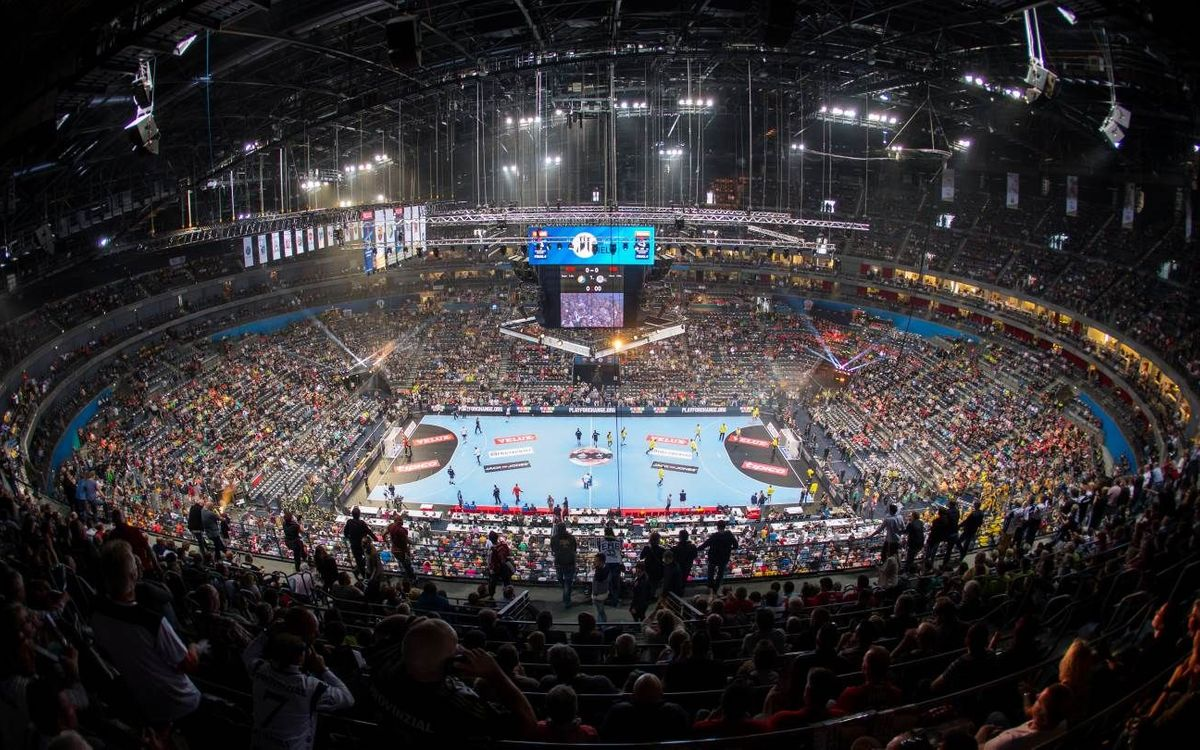 Place in the Final Four on 28 and 29 December