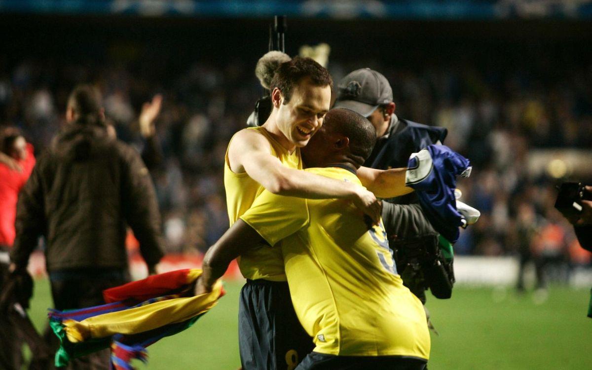 Iniesta et Eto'o célèbrent l''Iniestazo' de la victoire