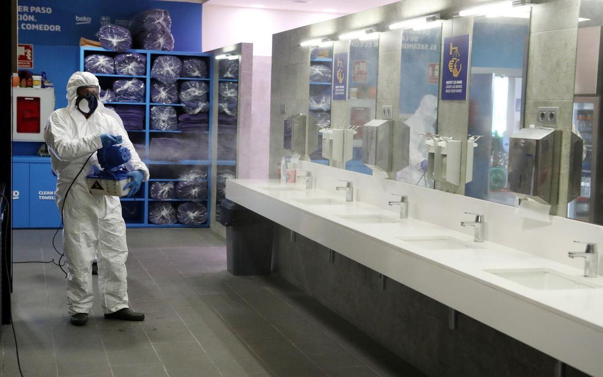 Com es desinfecta el vestidor de la Ciutat Esportiva?