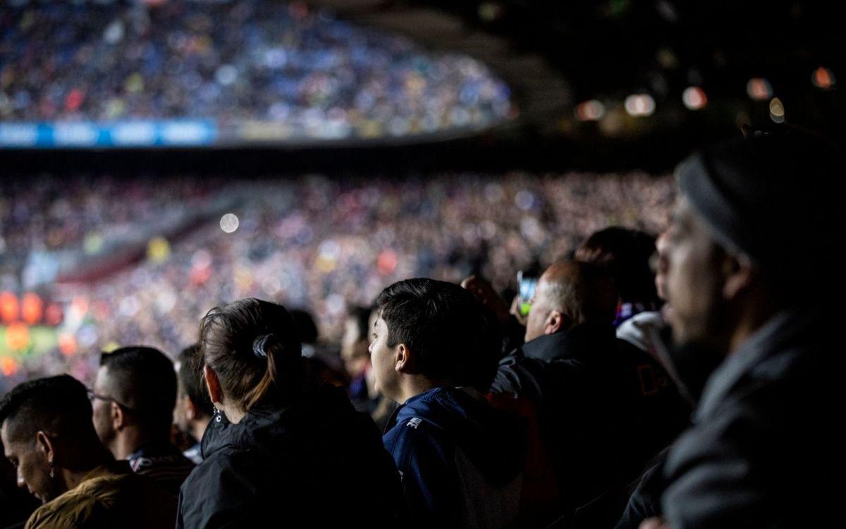 El Barça celebra la tornada del futbol